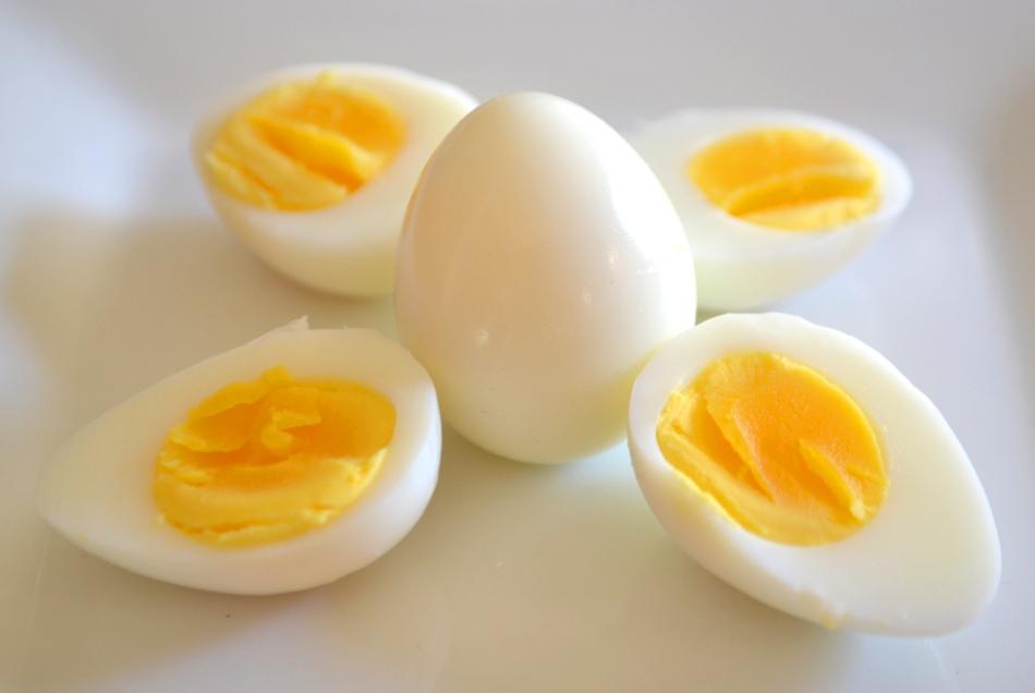 how to make perfect hard boiled eggs baking soda